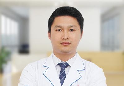 杨康平 国家注册高级验光师 视光部总监
