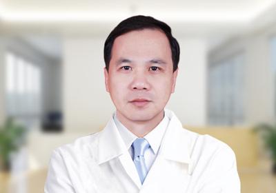 钟文东(特邀专家) 茂名爱瞳眼科医院副院长 主任医师、教授