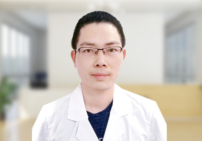 刘贤金(特邀专家) 茂名爱瞳眼科医院 主治医师